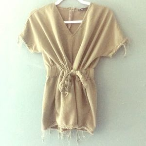 Casual romper perfect for summer and fall.